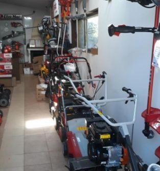 Sprzedaż maszyn budowlanych i urządzeń ogrodniczych