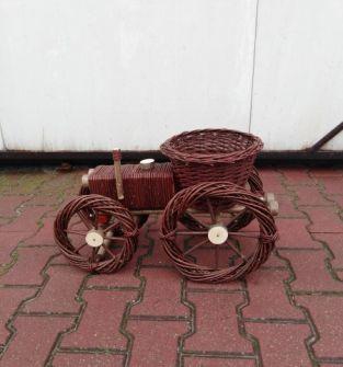 Traktor z wikliny- ozdoba
